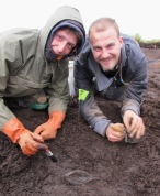 Lithuanians digging