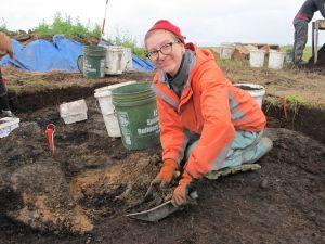 Renee digging